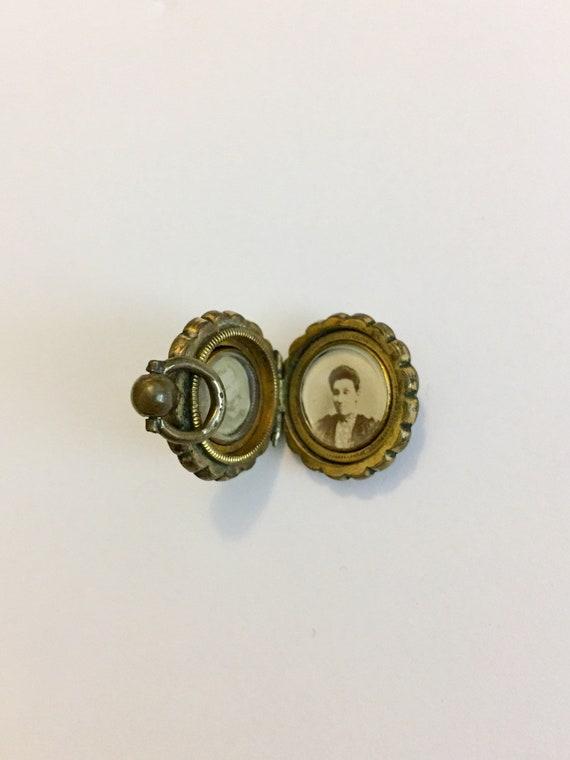 Victorian Locket / Photo Locket.
