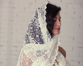 White mantilla,Traditional catholic mantilla,Catholic chapel veil,Religious head coverings,lace mantilla,wrap style veil,Latin Mass Scarf