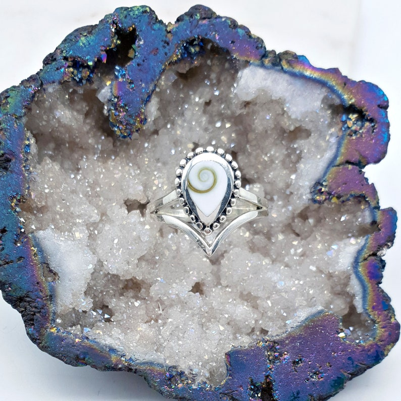 Women/'s Sterling Silver Shell Ring Ojo de Santa Lucia Ring Silver Shell Ring Silver Shiva Eye Shell Ring