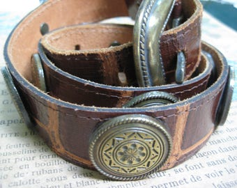 Vintage Belt, Brown Leather, Bronze Round Conchos, Boho Southwestern, Country Western Wear, Made in USA, Size S/M, Vintage Accessory, Gift