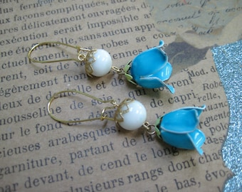 Upcycled Vintage Earrings, Enamel Dangle Drops, Blue White, Flowers, Gold tone, Recycled Reclaimed, Repurposed Jewelry, One of a Kind  /E53