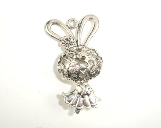 Metal Charms - Animal Bunny Pendant, Zinc Alloy, Antique Silver Tone, 2pcs, 25 x 43 mm, Hole 2.5mm (006868008)