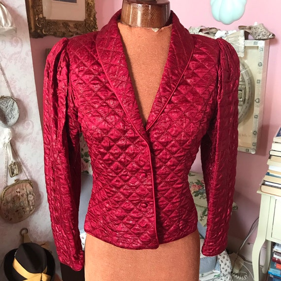1970s Janice Wainwright quilted red fitted jacket.