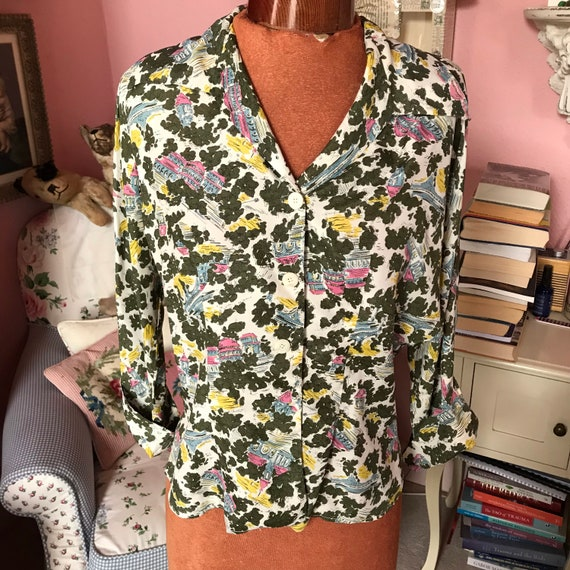 """1940s novelty print blouse . In green . Bust 38"""""""