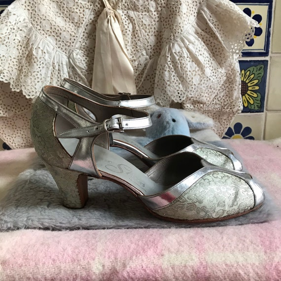 1930s Art Deco silver leather and floral lame shoe