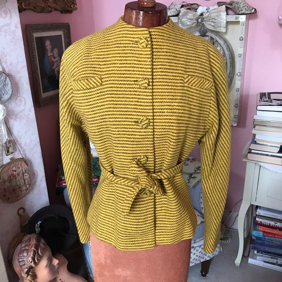 1940s yellow striped wool belted jacket.M