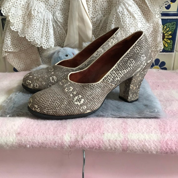 1940s lizard pattern leather shoes. Size 4. Not na