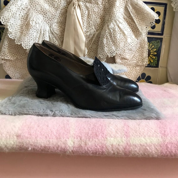 1940s CC41 deadstock navy leather shoes. UK 4 not
