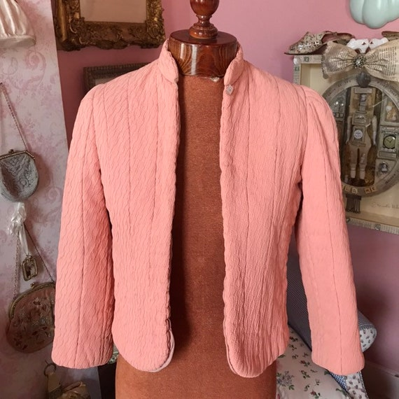 1930s quilted deco bed jacket in textured peach cr