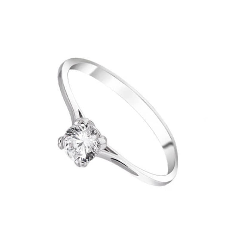6fdac416051a29 Anello di fidanzamento solitario sottile anello di promessa di   Etsy