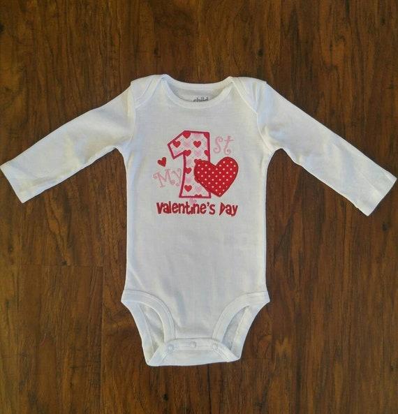 Girls Vday onesie Pink Ruffle sleeved Valentine/'s Day onesie Personalized Girls Valentine/'s Day bodysuit Monogrammed Valentine/'s Day shirt