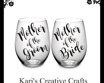 Mother if the Groom Glass, Mother of the Bride Glass, Wedding Party Glass, Toasting glasses, Personalized Wine glasses, Bride, Groom,