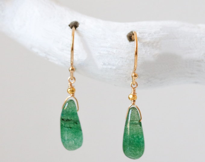Featured listing image: Aventurine Gold Earrings