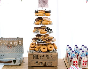 Personalised Rustic Wedding Cake Stand, 2 DESIGNS AVAILABLE Vintage Wedding Wooden Apple Crate Cake Stand
