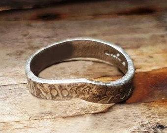 V shaped textured wedding ring