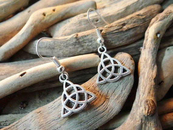 Triquetra Trinity Knot Celtic Earring Earrings Ear Ring Rings Drops Drop Dangle Dangles Pagan Wiccan Wicca Witch Witchcraft Magick