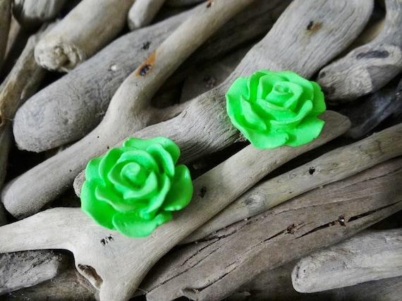 Green UV Neon Fluoro Rose Studs Stud Earring Earrings Flower Fluro Fluorescent Fluoroscent Ultraviolet Cabochon Cabochons Flatback