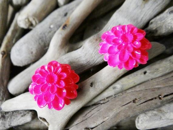Pink UV Neon Fluoro Dahlia Studs Stud Earring Earrings Flower Fluro Fluorescent Fluoroscent Ultraviolet Flatback Cabochon