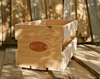 "Sanctus Sound Vinyl Record Crate for 7"" / 45s, Cedar"