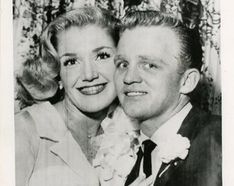 Vintage photo Gary Crosby and his wife Barbara, American showbiz celebrity actor singer United Press wire photo