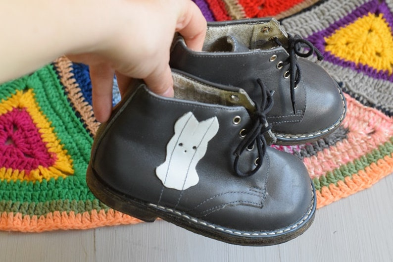 a847e1a2f0ebe Soviet vintage baby boots with white hare