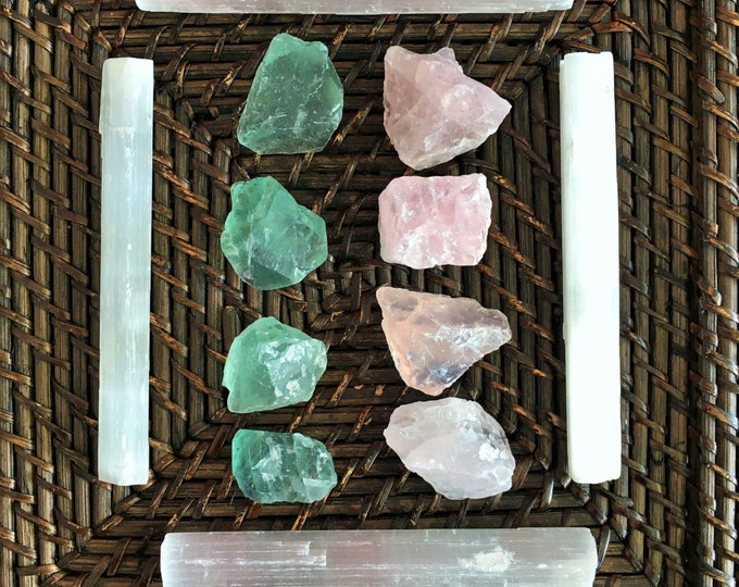Crystal Grid Kit - LOVE Healing Crystals and Stones w/ Selenite Wands