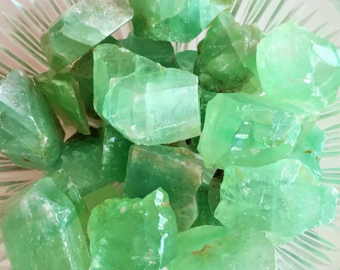 10 Raw Green Calcite Crystal Stones Perfect for Reiki, Crystal Grids, Jewelry Making Supplies