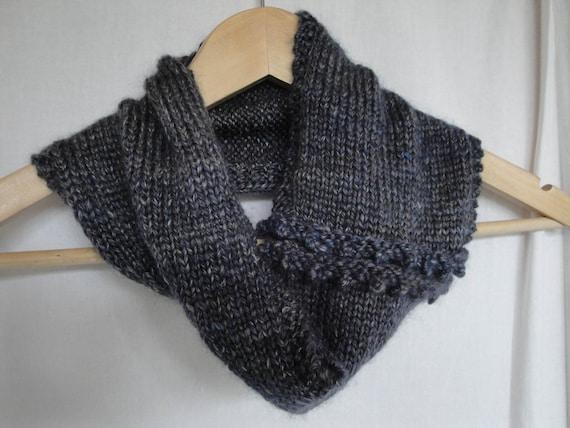 Col tricoté à la main en mérinos bleu et soie, snood bordure picot, luxe  cache-cou, ... fe5ac685da2
