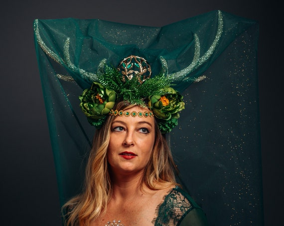 Green Woodland Deer Antlers Veil Headdress Golden Renaissance Faerie Wild Headpiece Brigid Flower Crown Artemis Goddess Nature Fairy Costume