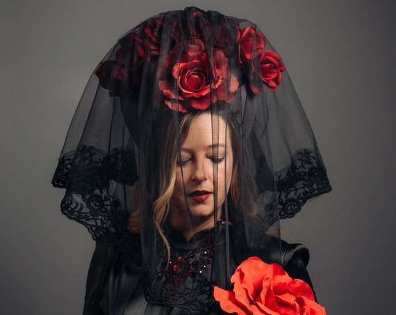 Rococo Rose Vampire Bride Veil Victorian Kokoshnik Black Grey Gothic Bridal Crown Blood Red Floral Queen Wedding Headdress Dracula Lolita