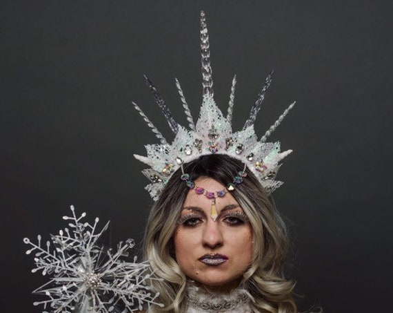 Ice Queen Witch Headdress Light Up Unseelie Silver White Icicle Spiked Crown Wicked Winter Fairy Costume Cosplay Festival Headpiece Rave