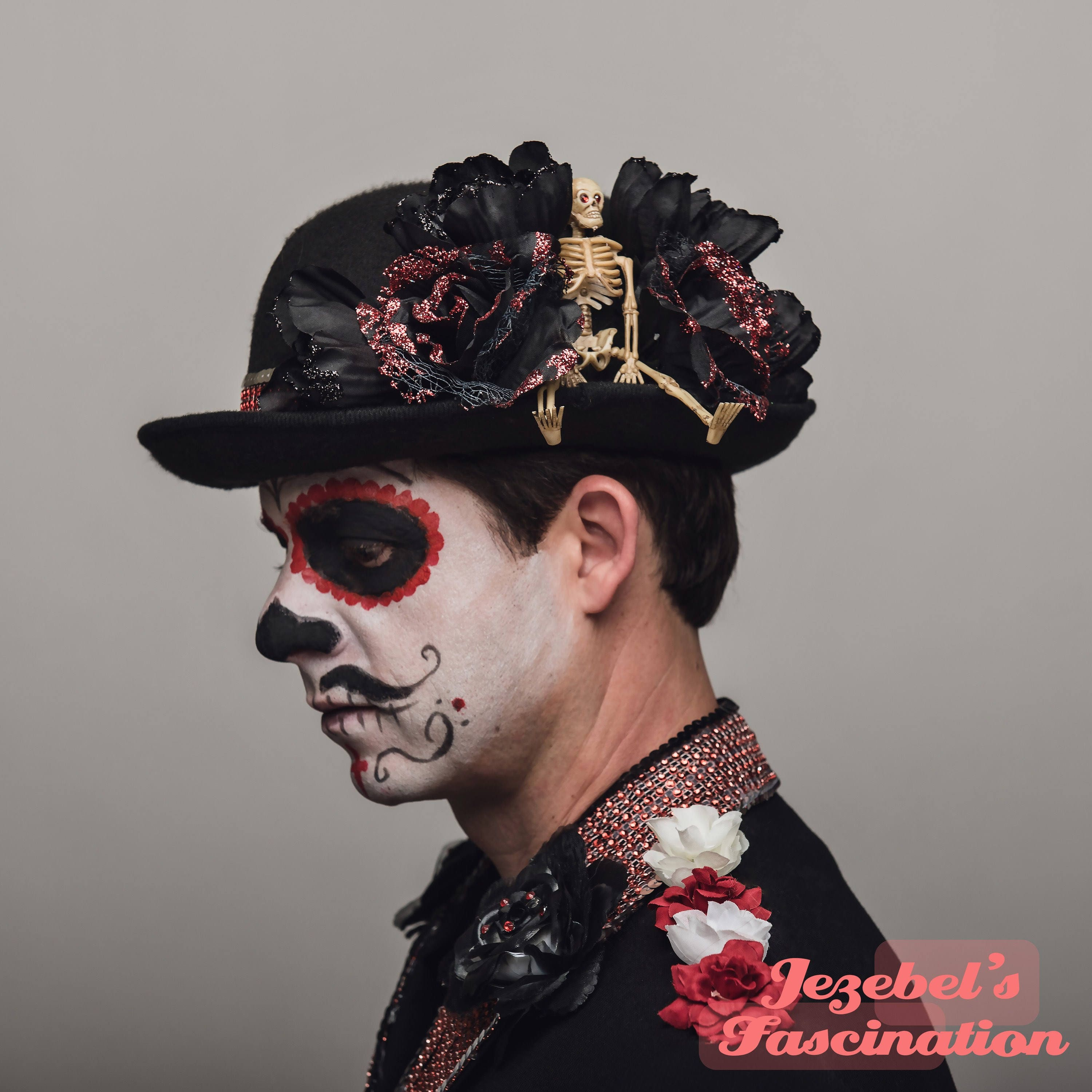 9815bfb94f7a Day of the Dead Hat Gothic Skeleton Bowler Halloween Cap Dia de los Muertos  Formal Hat Red Glitter Roses Flowers Men's Costume Headpiece