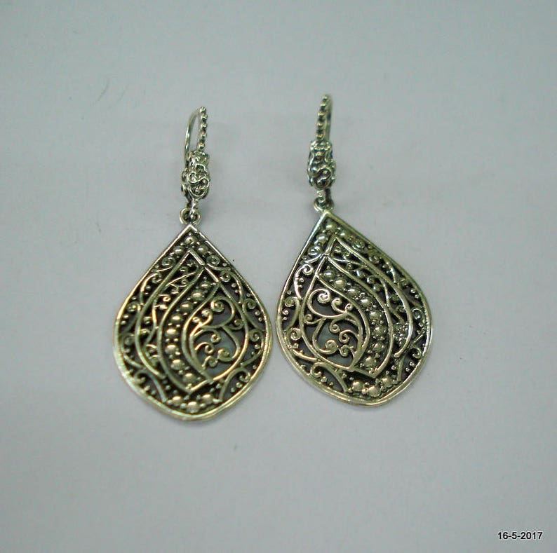 f6ec375e5815 Diseño tradicional plata aretes pendientes étnicos hechos a