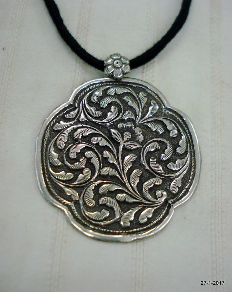 Traditional Design Sterling Silver Necklace Pendant handmade jewellery