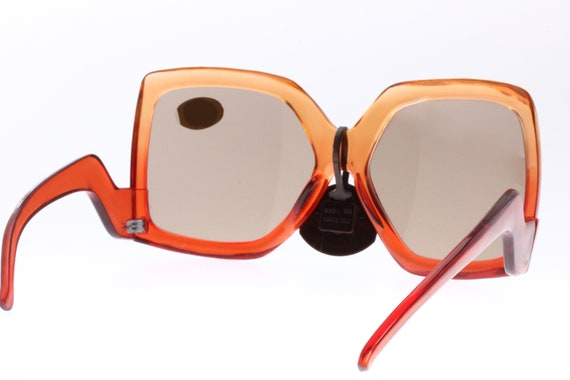 Seventies and very Gucci look! Orange to red colo… - image 8