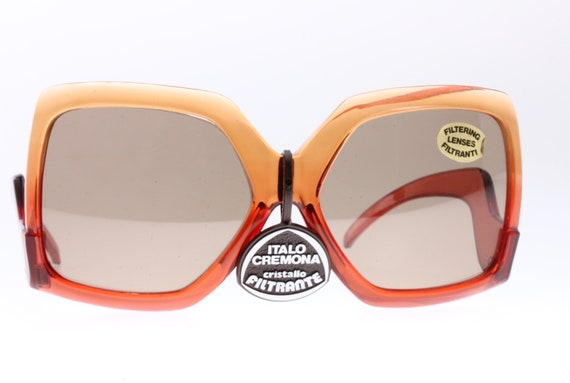 Seventies and very Gucci look! Orange to red colo… - image 1