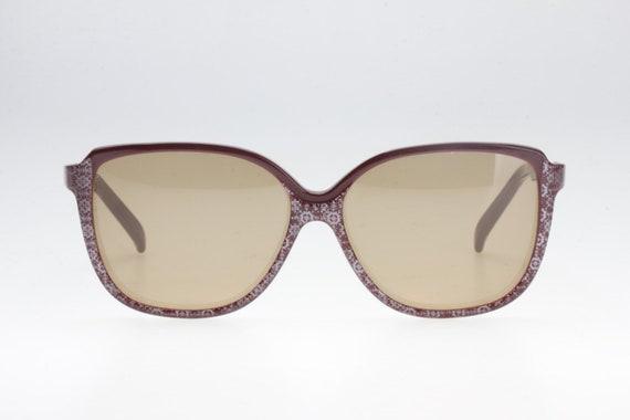 Vintage seventies sunglasses. '70. Oversize shape.