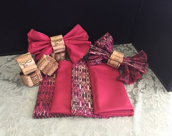 6 napkins and napkin rings