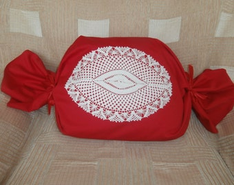 Pillow with handmade knitted doily