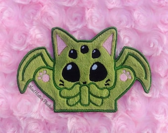 Cthulhu inspired Cat-thulhu Embroidery Patch, Creepy Cute Iron on Patch, Cat Monster Embroidered Patch, HP Lovecraft Monster