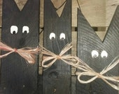 Three cats made from 100% reclaimed pallet wood. Perfect decoration for Halloween.