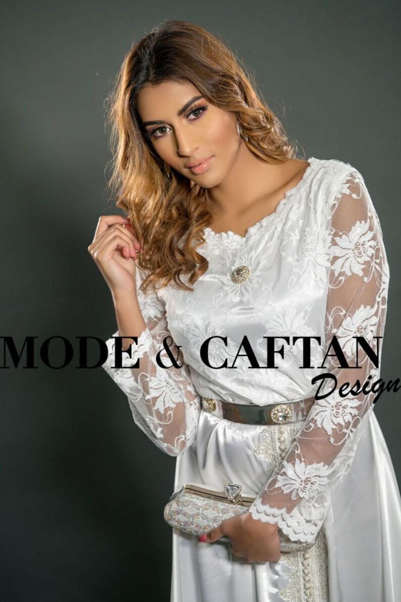 online store 719a6 879de Caftano marocchino bianco per cerimonia halal, festività musulmane,  semplice e minimalista.