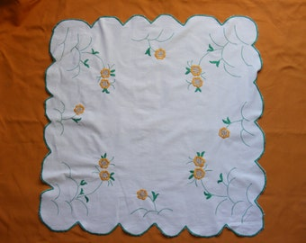"""Vintage Beautiful Hand-Embroidered Tablecloth - 31.1"""" x 31.1"""""""