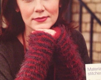 Ladies Knitted Fingerless Mitts Knitting Pattern