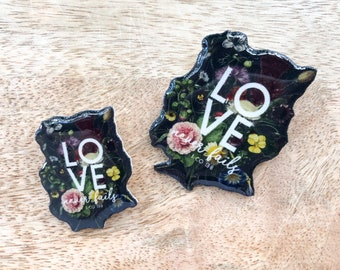 Dutch Floral Love Never Fails Mini and Large Pin    Jw.ORG   Best Life Ever Pins Buttons   Jw gifts Spanish El Amor Nunca Falla