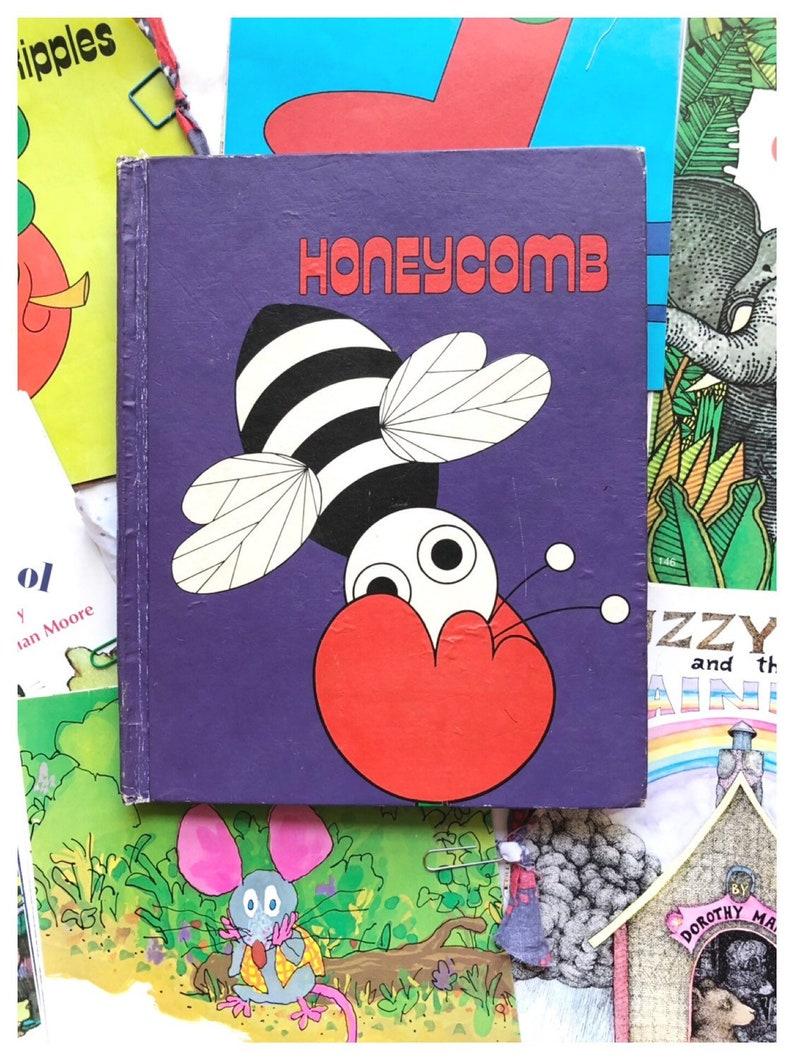 Honeycomb Pages 1980s Readers Vintage Book Page Packs Vintage image 0