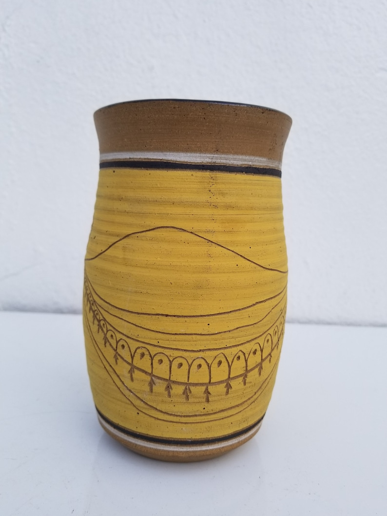 1975  Signed  Studio Pottery  Vase .