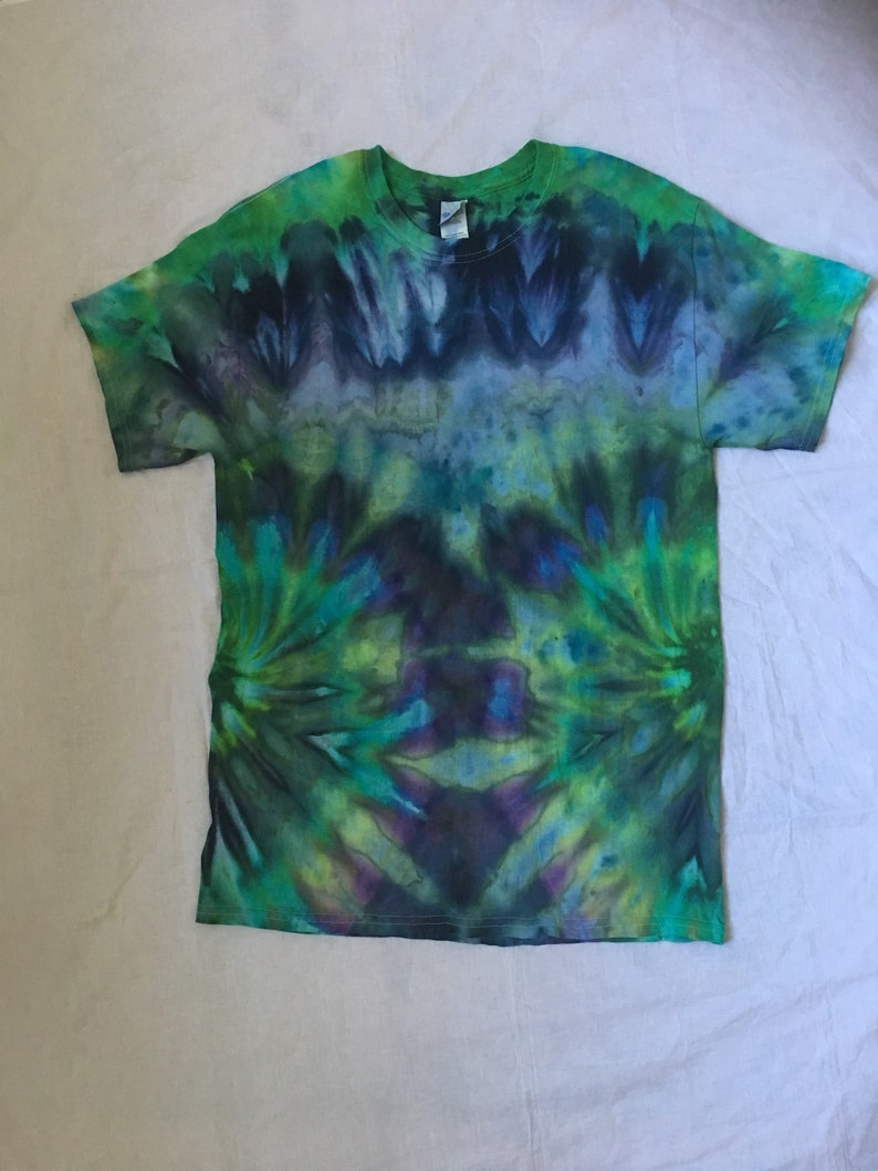 60835dd2 In stock Ready to ship Tie dye T shirt large | Etsy