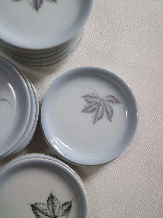 Skandinavisches Porzellan Kleine Teller Mit Blättern Etsy