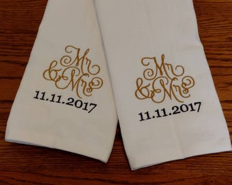 GIFT SET - Mr & Mrs / Wedding / Honeymoon / Anniversary Personalized HAND Towel Set ~ Husband Wife Shower Gift  / 3 Designs Available!